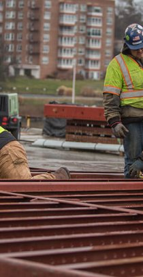 Construction workers on the Tappan Zee replacement, the New NY Bridge